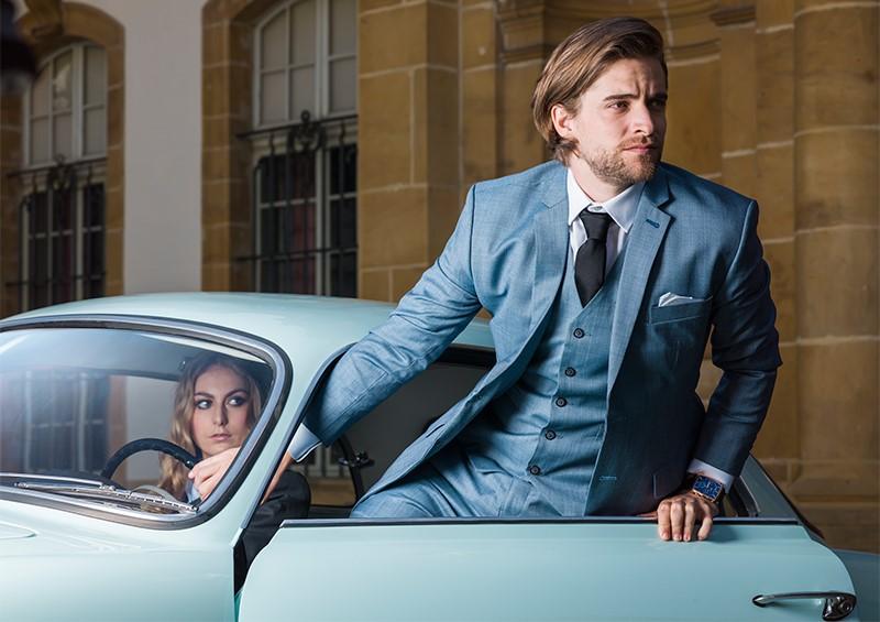 costume-sur-mesure-3-pieces-bleu-homme.jpg
